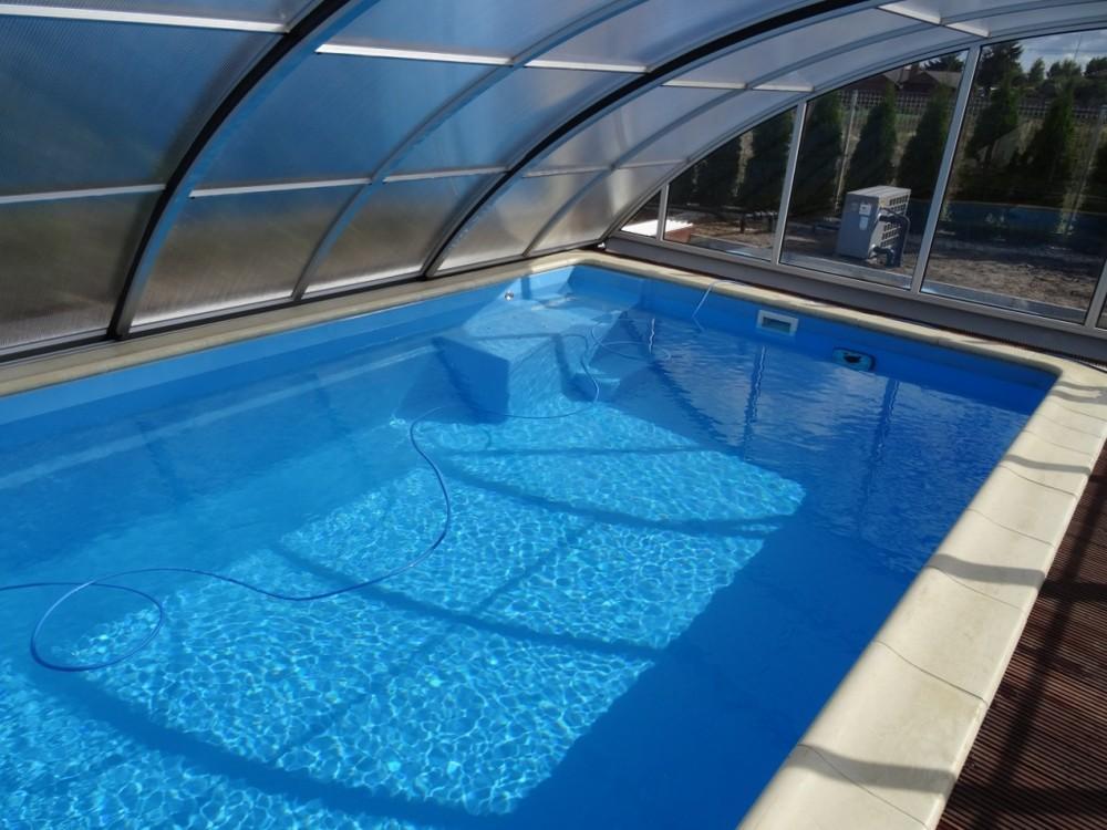 fotos von schwimmbecken privatpool ffentlicher pool die verwendung der besten technik und. Black Bedroom Furniture Sets. Home Design Ideas