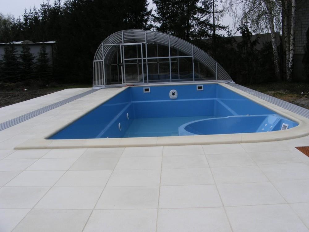 fotos von schwimmbecken mit spa privatpool ffentlicher pool die verwendung der besten. Black Bedroom Furniture Sets. Home Design Ideas
