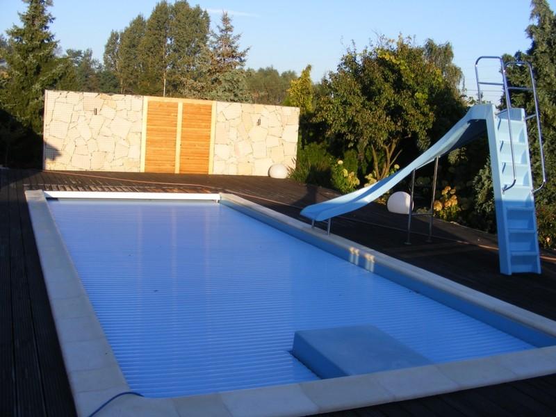 Gro er pool privatpool ffentlicher pool die for Gartenpool test