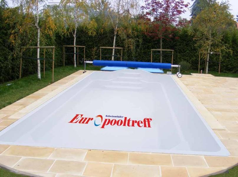 Ein kleiner gartenpool privatpool ffentlicher pool for Gartenpool 3m